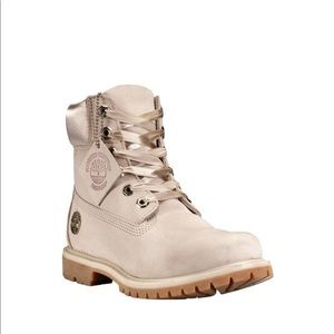 TIMBERLAND BOOTS IN LIGHT TAUPE